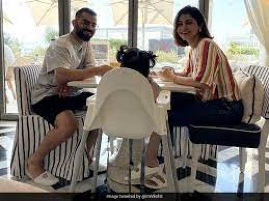 विराट कोहली ने अनुष्का और बेटी वामिका के साथ शेयर की खूबसूरत तस्वीर, फैंस ने पूछा- चेहरा कब दिखाएंगे ?