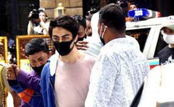 क्रूज़ ड्रग्स केस : आर्यन खान की जमानत के लिए वकील पहुंचे हाईकोर्ट, निचली अदालत से याचिका हो चुकी है नामंजूर