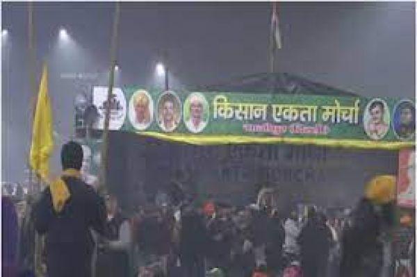 किसानों ने यूपी-गाजीपुर बॉर्डर NH24 पर रास्ता खोला, राकेश टिकैत बोले- अब पार्लियामेंट पर बैठेंगे