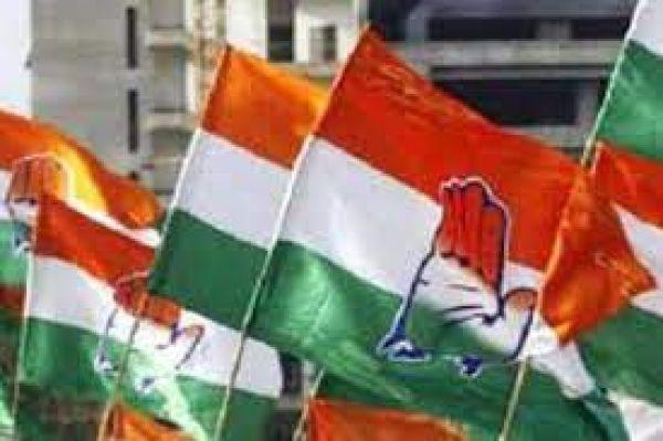 40 फीसदी महिला उम्मीदवारों को टिकट, स्मार्टफोन और स्कूटी के बाद यूपी में प्रियंका गांधी का तीसरा बड़ा दांव!