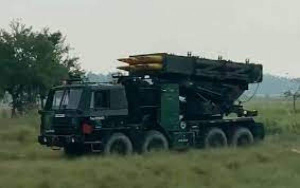 चीन के जवाब में भारतीय सेना ने असम में सीमा पर तैनात किया पिनाका रॉकेट सिस्टम