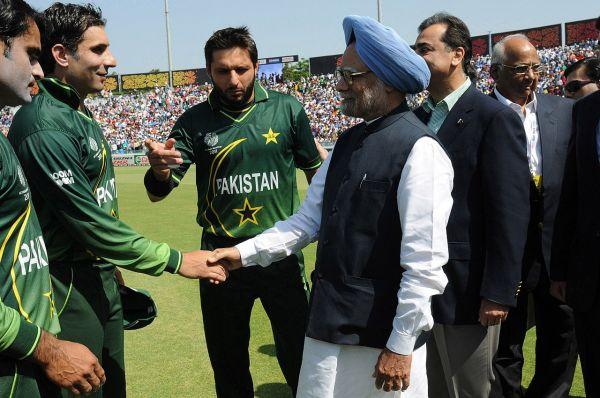 भारत-पाकिस्तान में क्रिकेट मैच के रोमांच की कहानी
