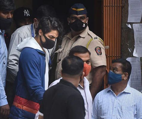 आर्यन खान ने ड्रग्स केस में व्हाट्सऐप चैट को लेकर दी दलील, बोले-