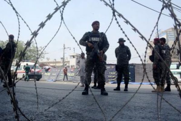 लाहौर में टीएलपी कार्यकर्ताओं के साथ झड़प में 3 पुलिसकर्मियों की मौत