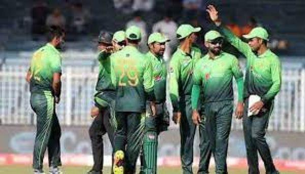 पाकिस्तान ने 24 घंटे पहले किया टीम का ऐलान, जानिए किसे मिला मौका