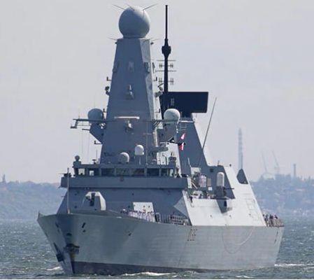 नौसेना के युद्धपोत INS रणविजय में आग लगने से चार नौसैनिक घायल, जांच के आदेश