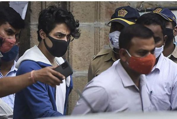 आर्यन खान केस में ट्विस्ट: एक गवाह का दावा- '18 करोड़ में तय हुई थी डील', NCB का इनकार
