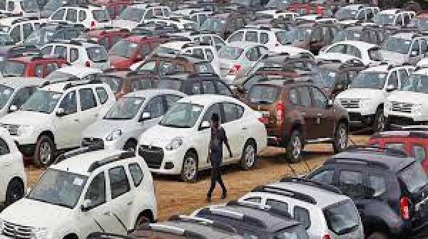 बाजार में हाहाकार! कार से लेकर लैपटॉप तक, हर चीज की डिलिवरी लेट, आखिर क्यों?