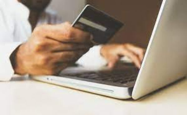 स्वास्थ्य मंत्रालय की ऑनलाइन खरीददारी करने की सलाह पर व्यापारी संगठन नाराज