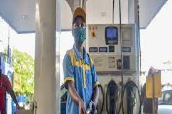इन देशों को आधी कीमत पर पेट्रोल-डीजल निर्यात करता है भारत! जानिए क्या है माजरा