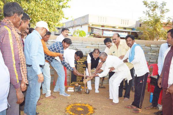 संसदीय सचिव ने किया निर्माण कार्यों का भूमिपूजन