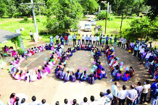 देश में 100 करोड़ वैक्सीनेशन का लक्ष्य पूर्ण