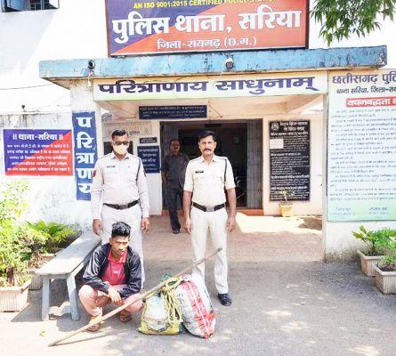 गांजा-शराब जब्त, 2 गिरफ्तार