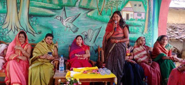 जलाशय के लिए ग्रामीणों ने विधायक का किया सम्मान