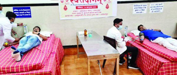 आचार्य के जन्मदिन पर समता युवा संघ ने किया रक्तदान