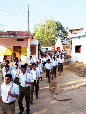 संघ शस्त्र पूजन कर शक्ति और शौर्य की आराधना करता है-राममुरारी